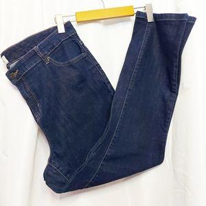 D/C  Dark Wash Straight Leg Jeans Size 18❤